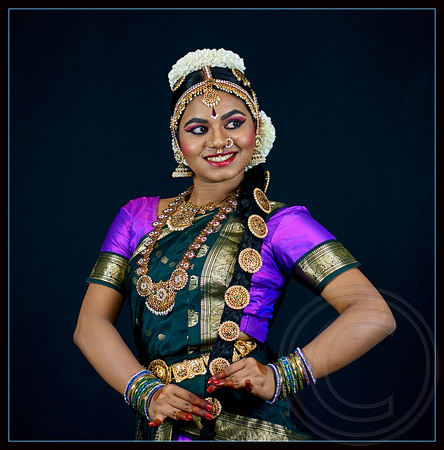 CLASSICAL DANCER